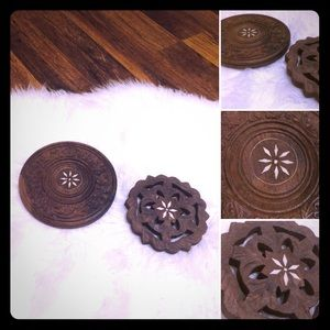 🦋2/$10 3/$15 4/$18 5/$20 Vintage Carved Trivets